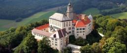 Schloss Baldern von der Ferne